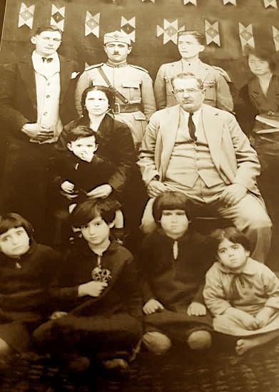 Familja e njohur e Sharrajve të Vlorës