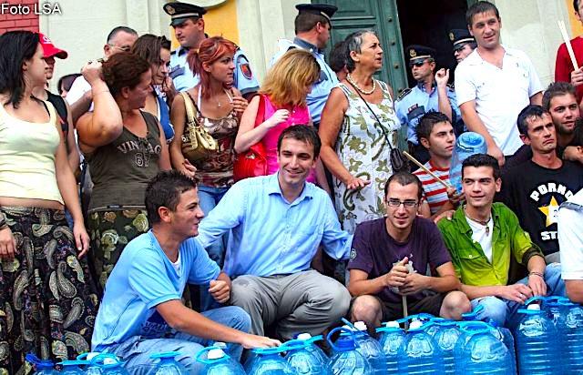Veliaj i Mjaft-it... kur premtonte Ujin e pijshem ne Kryeqytet