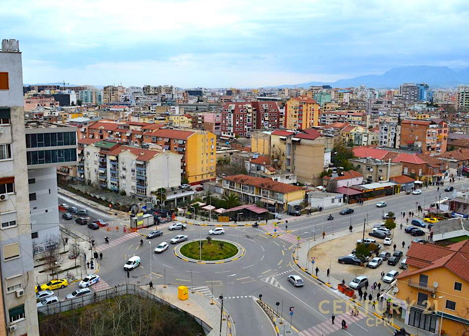 Komuna e Parisit - Tirana