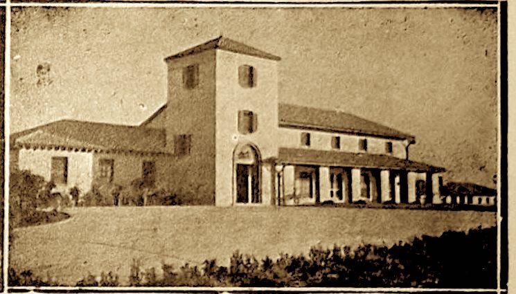"""Fasada e Shkolles """"Charles Telford Erickson"""" - Golem"""