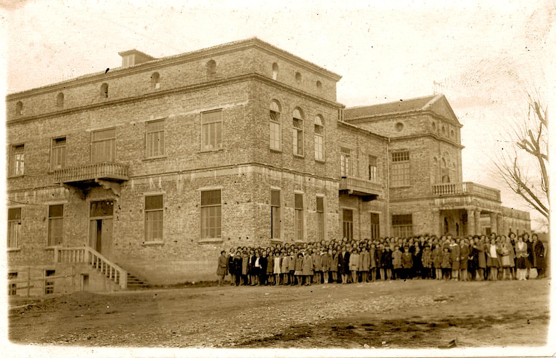 Shkolla e Dakos 1930 - (foto xhezo cana)