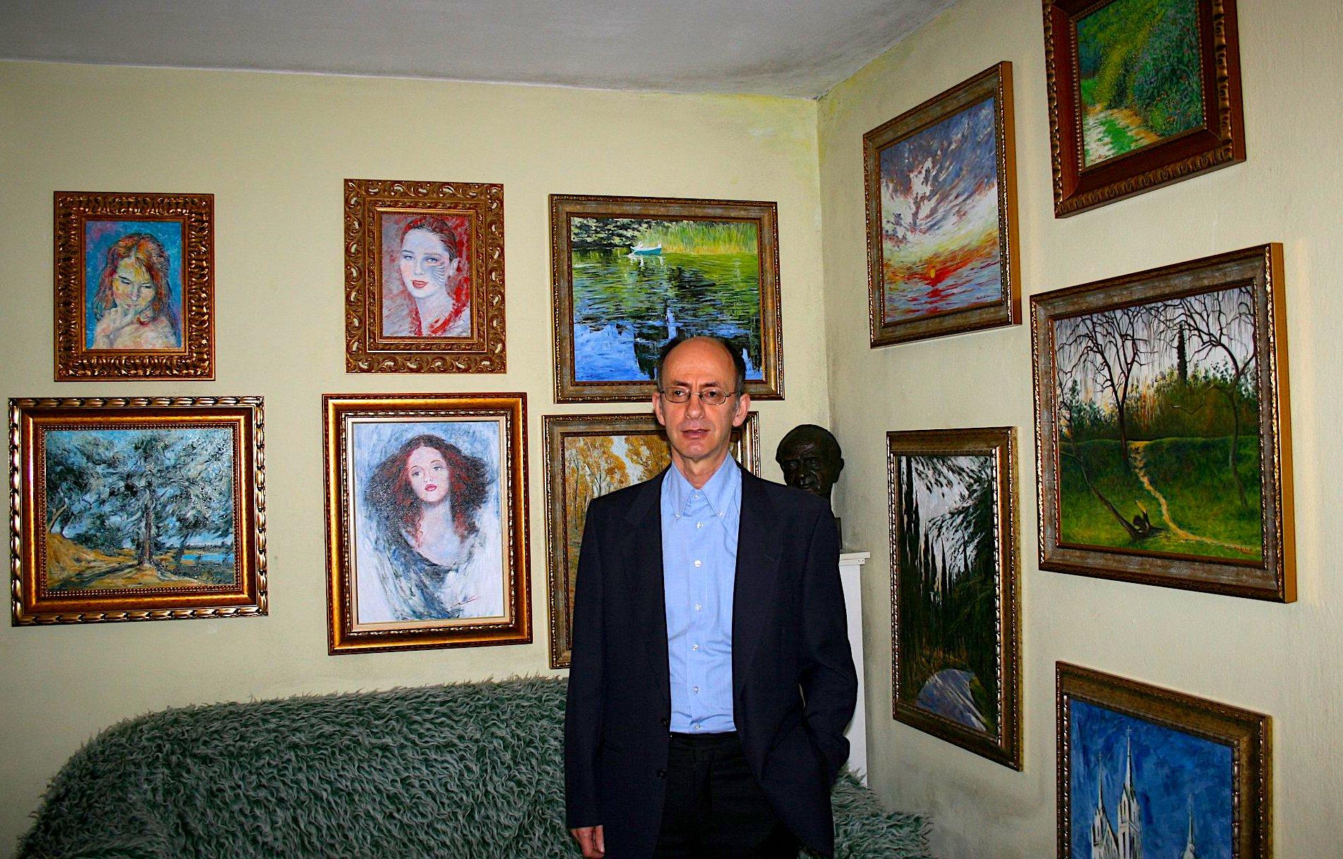 Arben Morina në studion e tij