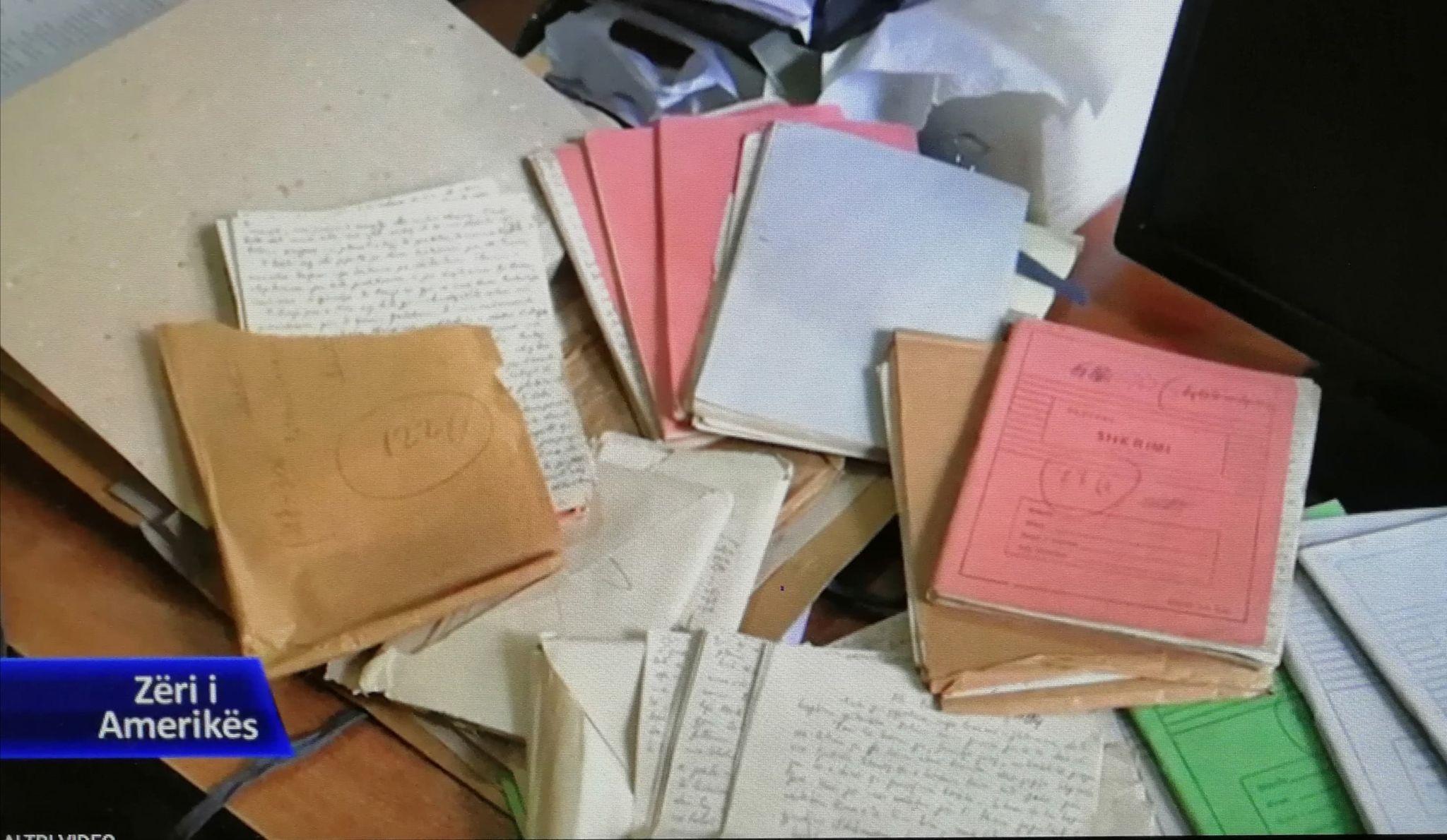 Fletoret e Shpresa Sejkos, te shkruara para vetvrasjes...