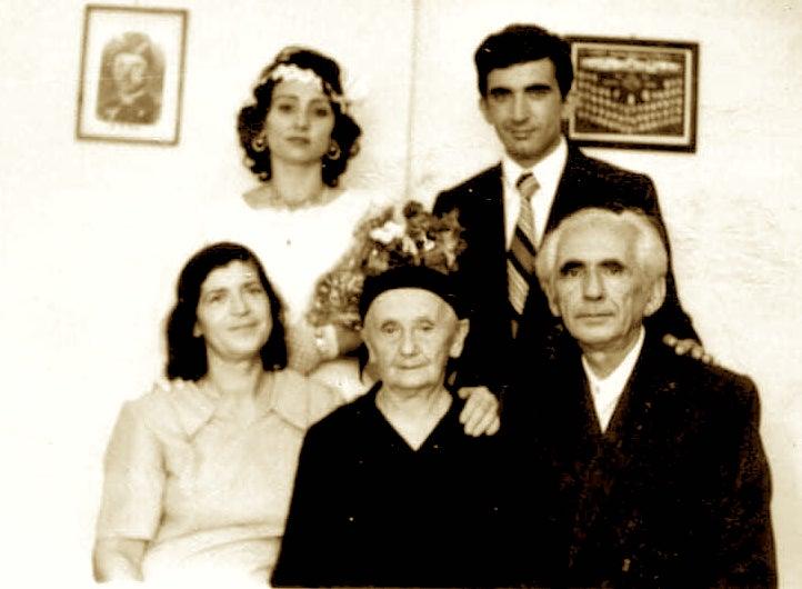 Familja Poshi - ditën e dasmës së djalit - Tre breza