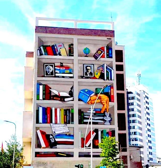 Pallati i Artistave Tirane - I pikturuar nga Bashkia