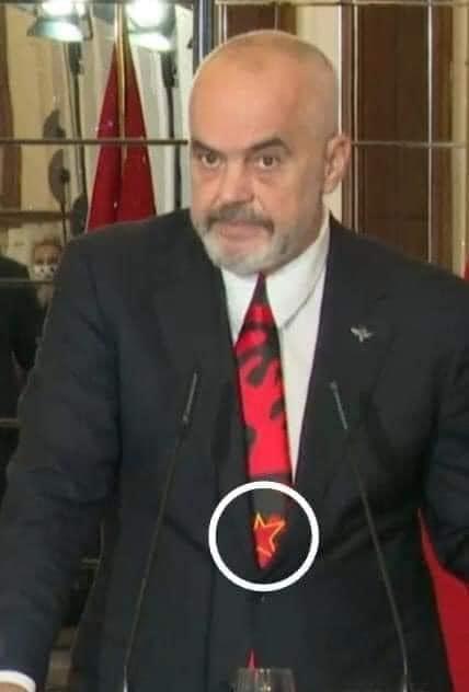 Vizionari i Yllit Komunist!