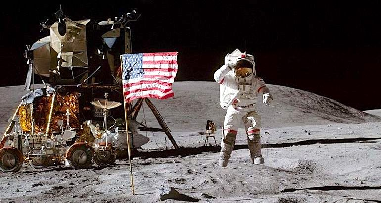 """Neil Armstrong dhe """"Apollo 11"""" - 20 korrikut 1969 në Hënë"""