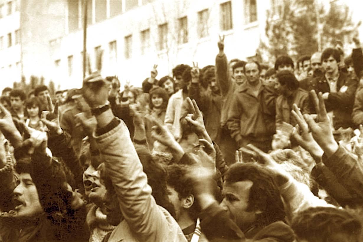 Dhjetor 1990 - Mitingu i Madh në Qytetin Studenti