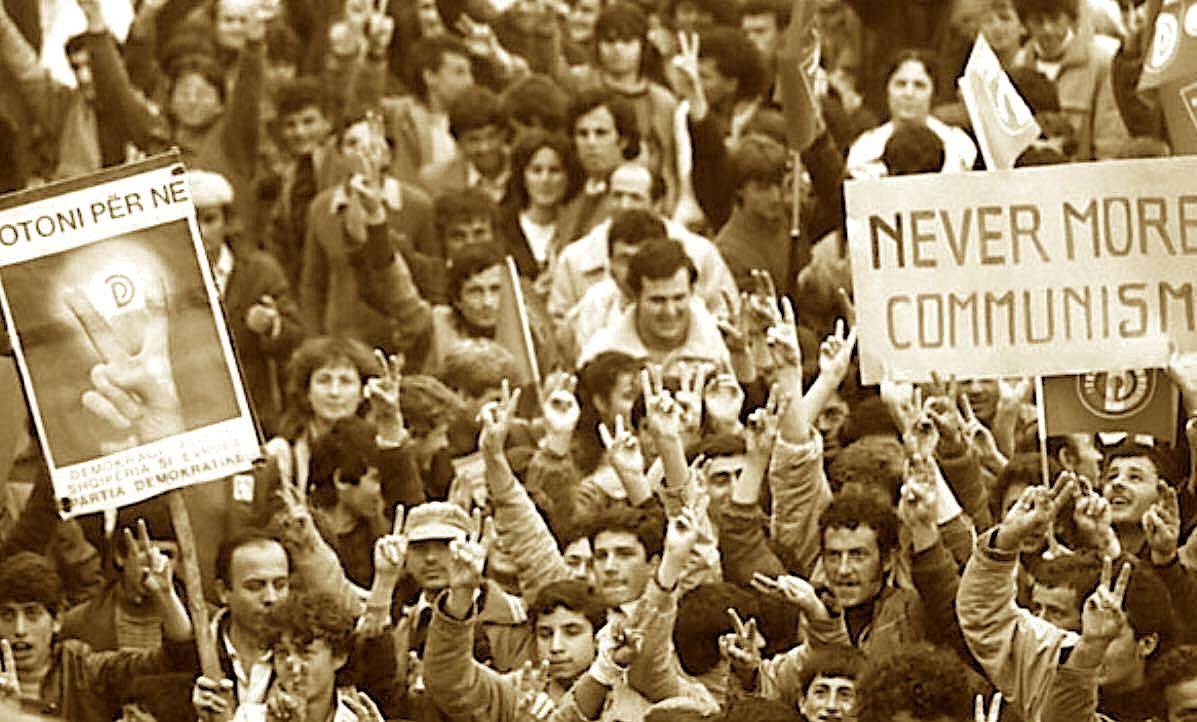 Dhjetor 1990 - Fitore dhe Zhgënjim