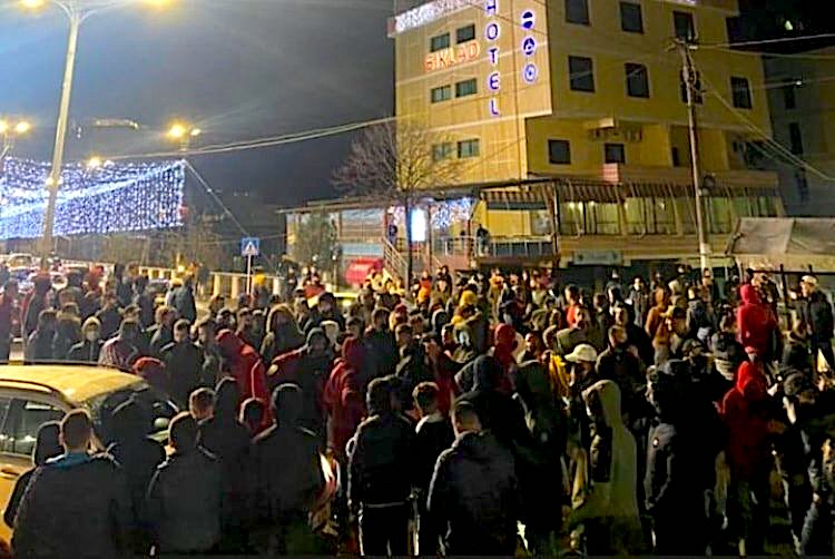 Protesta në Tiranë  për vrasjen e e të riut Klodian Rasha