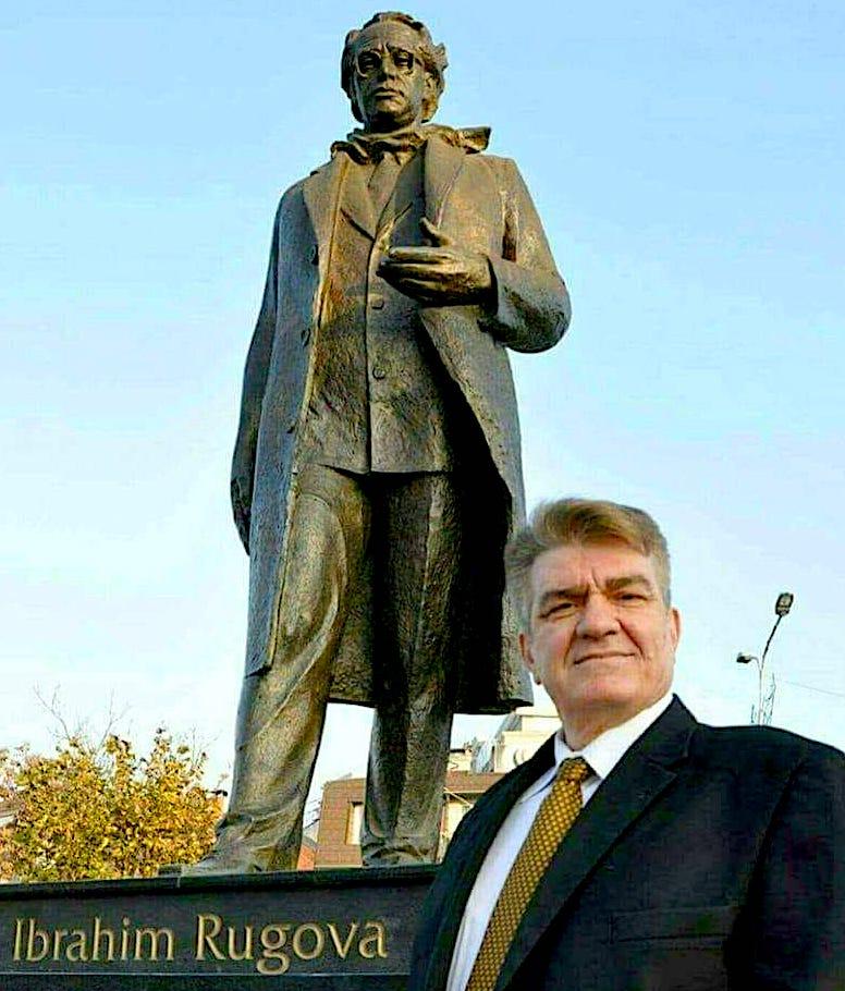 Ahmet Asani dhe idhulli i tij Rugova