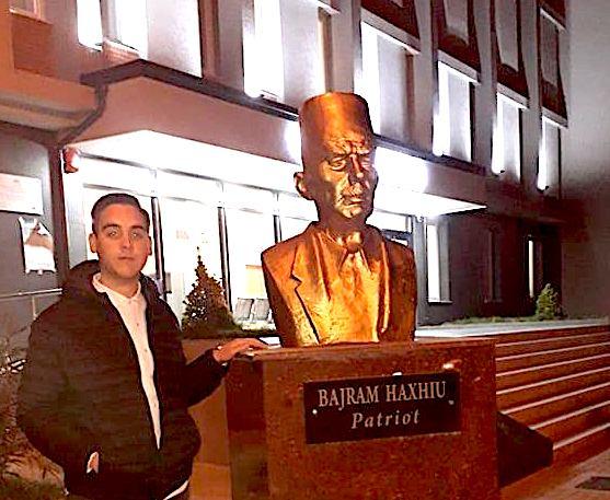 Kevin Haxhiu dhe Gjyshi i tij patrioti Bajram Haxhiu