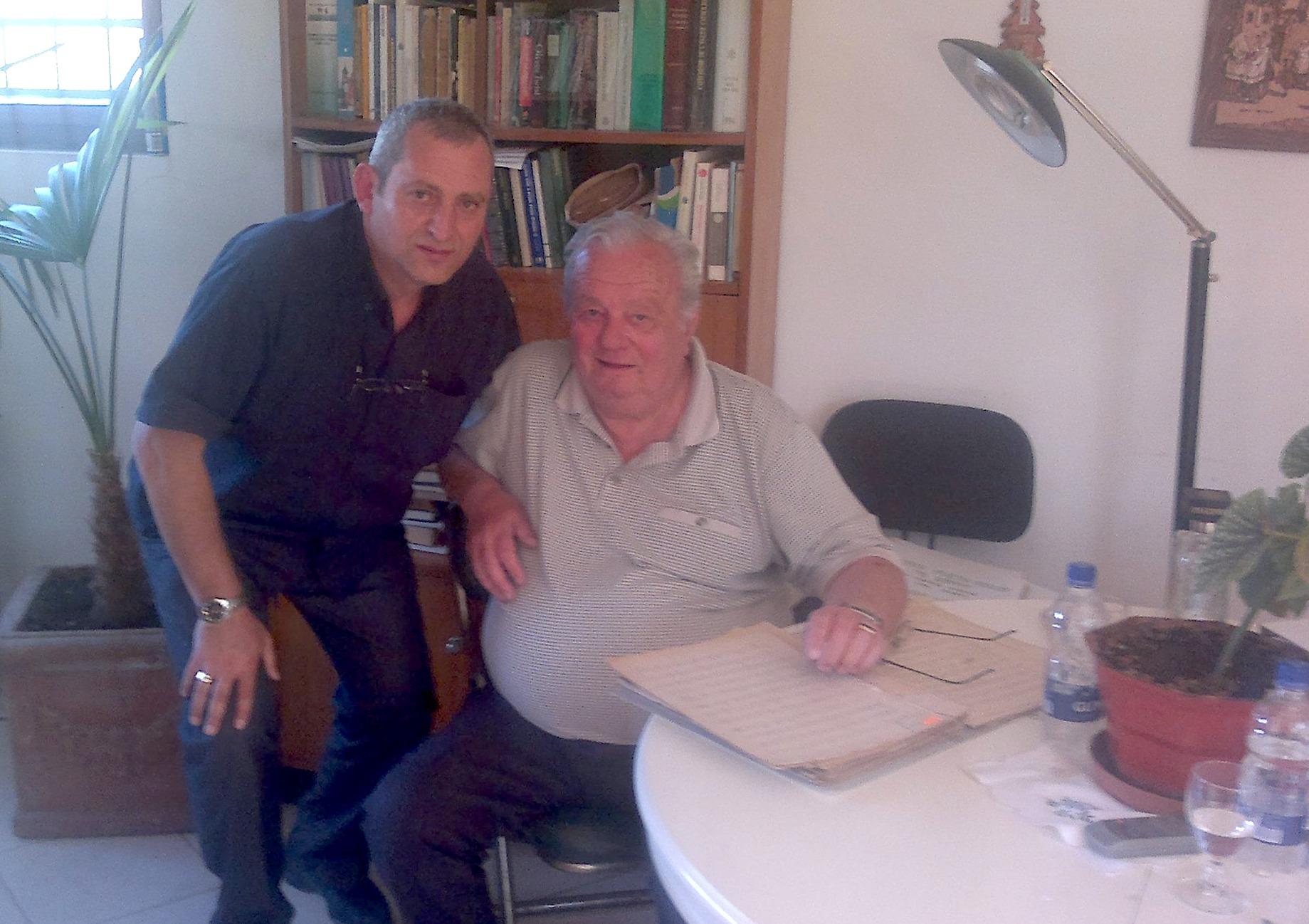 Vizitë te nipi, Albert Salvator Palok Kurti, i cili ruan arkivin e familjes Kurti.