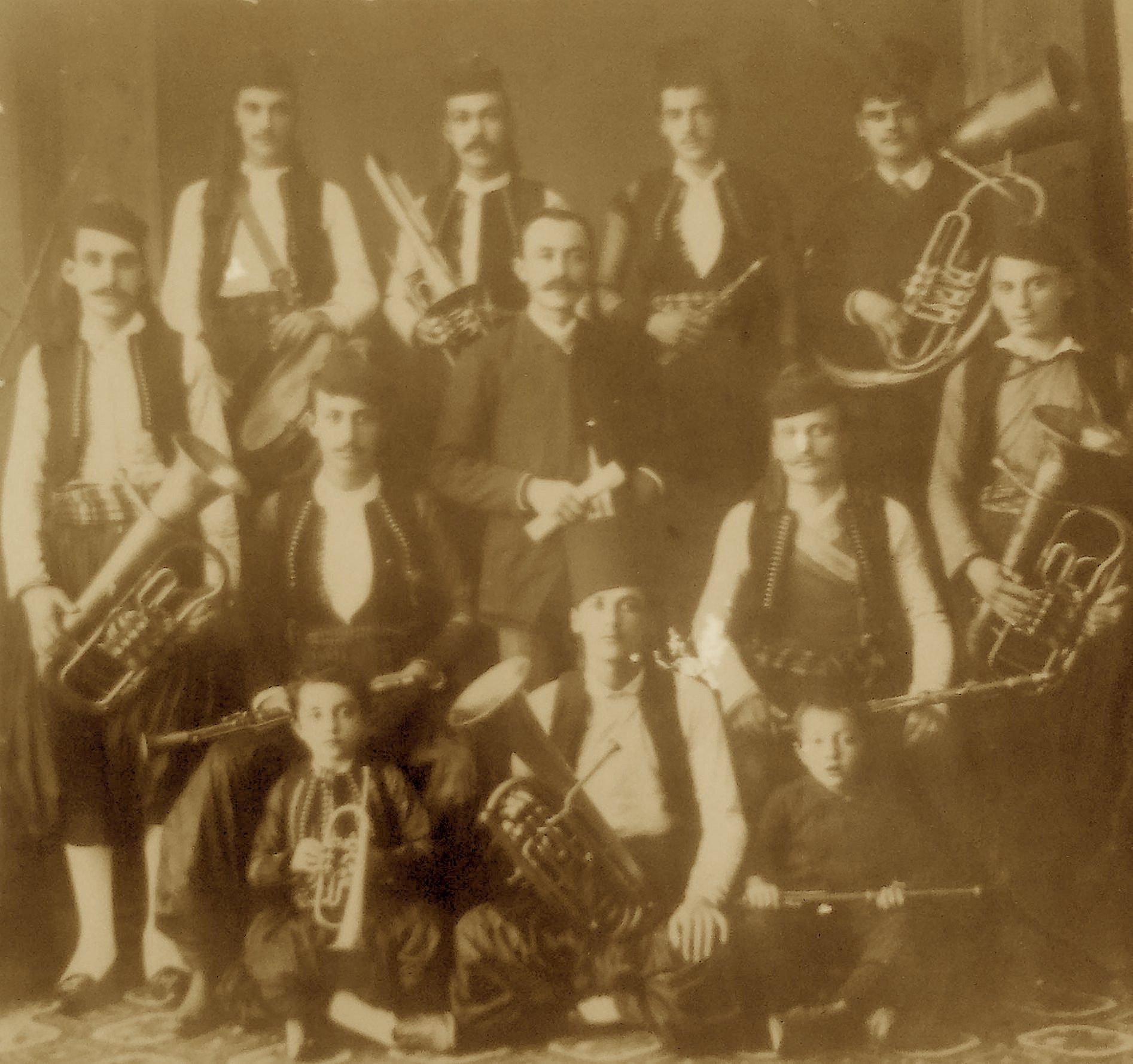 Palok Kurti me Bandën (Daullen) e tij në Shkodër