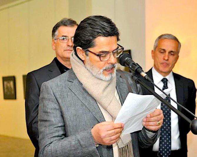 Mustafa Arapi duke promovuar ekspoziten e Delvina & Dhales