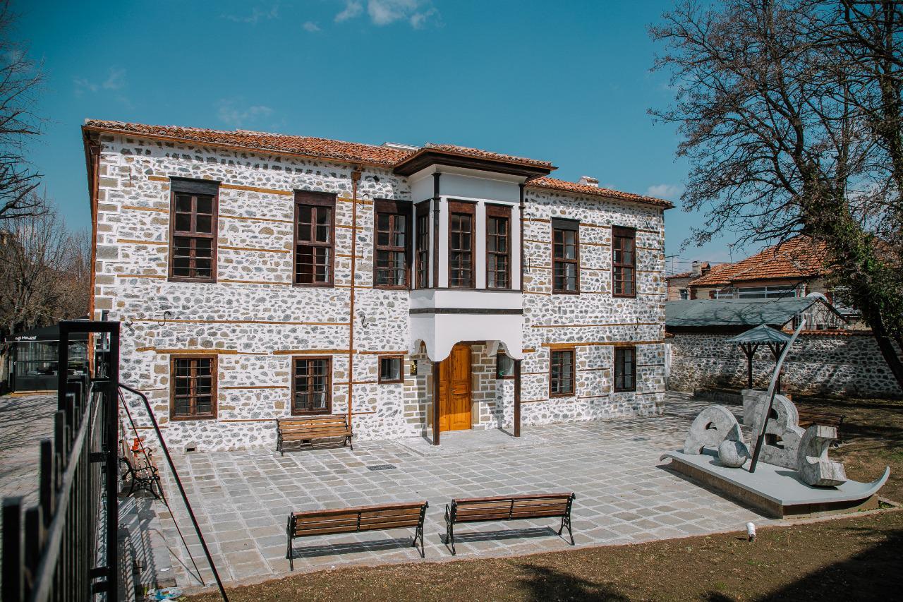 Mësonjtorja e parë shqipe - 7 mars 1887