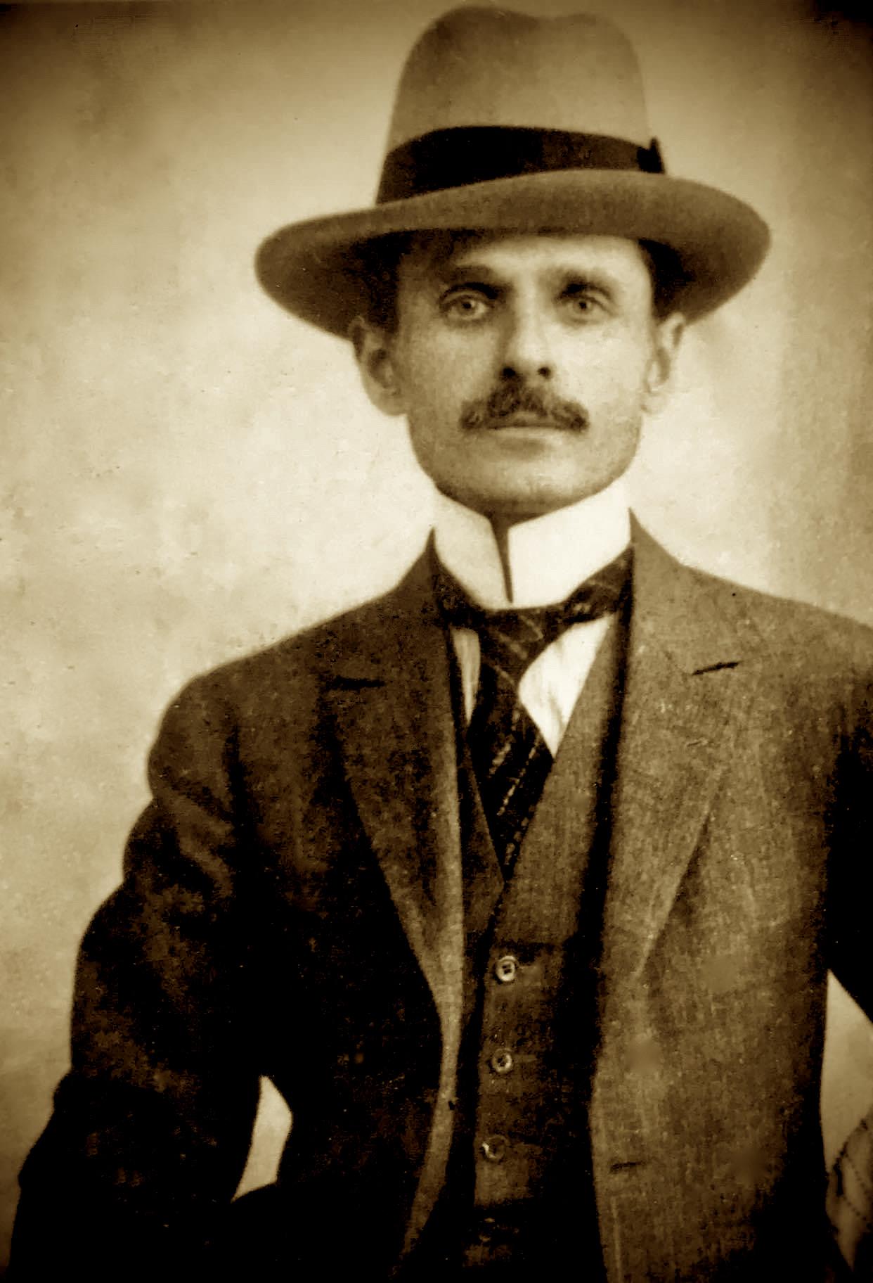 Mid'hat Frasheri  (1880-1949)