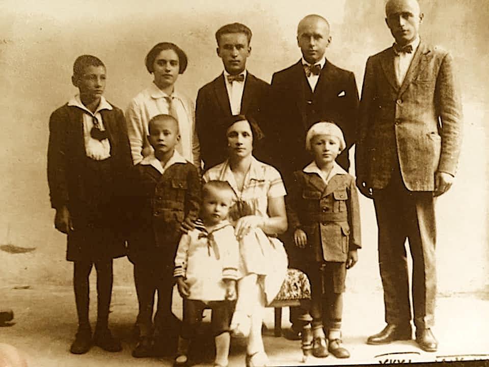 Familja e Mustafa Merlikës (shpjegimi në fund)