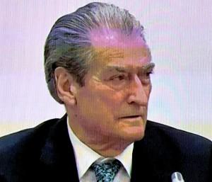 Sali Berisha gjatë konferencës për shtyp, 20 maj 2021