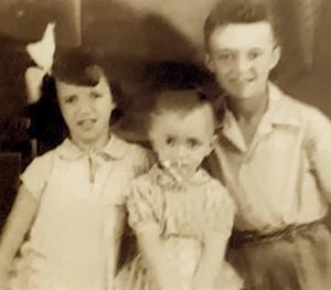 Familja Kurti - Qershor 1956