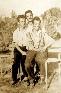 3 djem intelektualë të Pejës së që zgjodhën në vitin 1956 Shqiperine - Jashar Dacaj, Ibish Kelmendi, Bardhyl Kelmendi