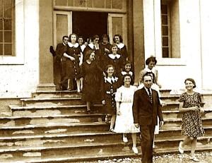 """Tirane 1934 - Instituti Femnuer """"Nana Mbretneshe"""""""