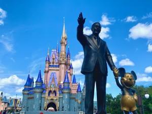 Statuja e Walt Disneyt në Disney Word